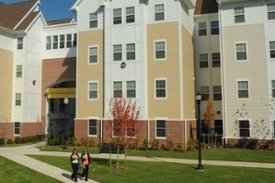 The Rowan Blvd Apartments Are Located Along Vibrant Edge Of Campus Meeting Downtown Area Glassboro And Features Easy Access To Ping
